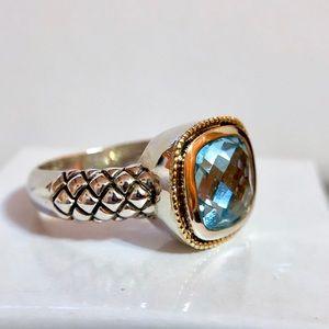 Nwot cushions Genuine blue topaz 925/14kYG ring